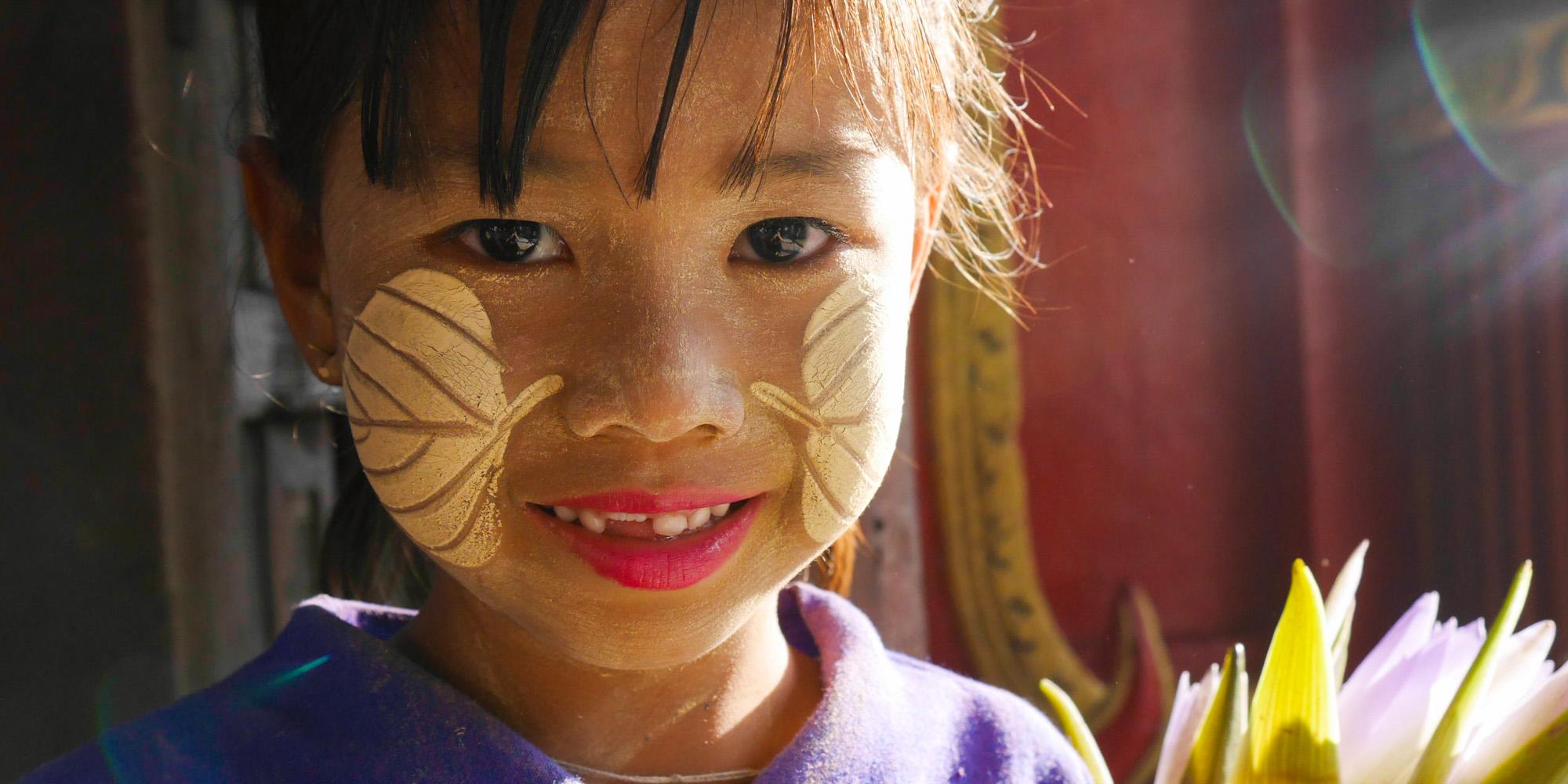 Dziewczynka pomalowana tanaką