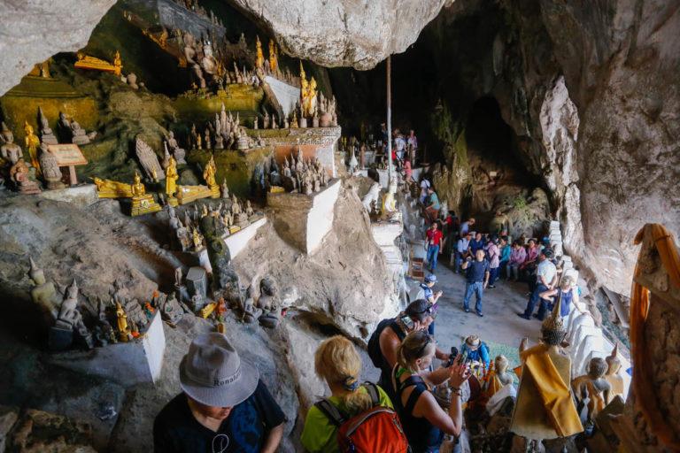 jaskinia Pak Ou w Laosie