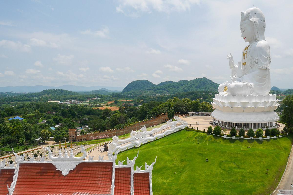 Wat Huay Pla Kang w Chiang Rai