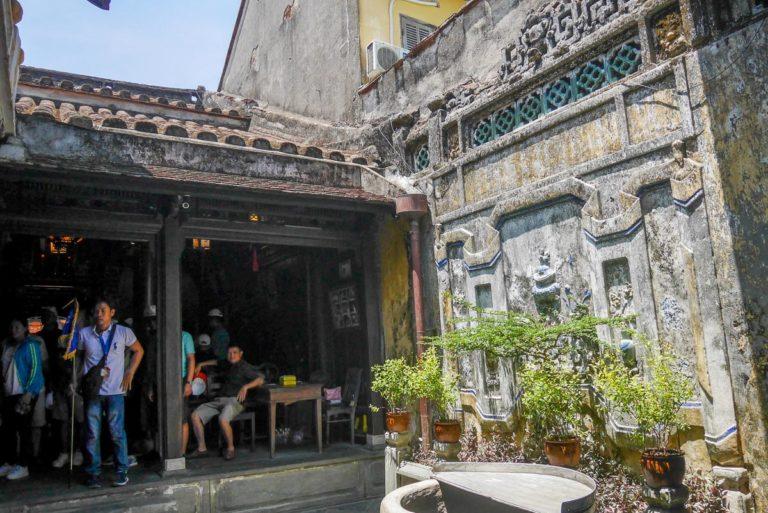Dziedziniec w Tan Ky
