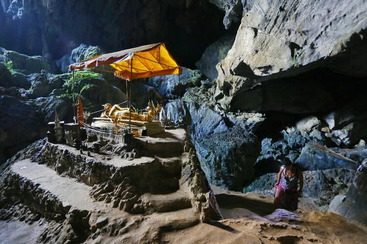 jaskinia Złotego Kraba w Laosie