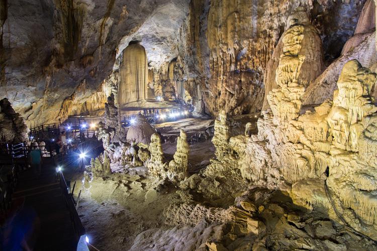 jaskinia Phong Nha w Wietnamie