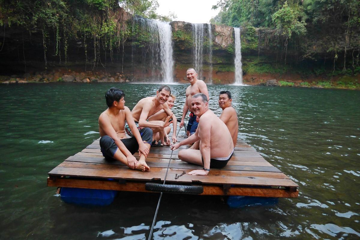 Wodospad Thamchampy niedaleko Pakxe w Laosie