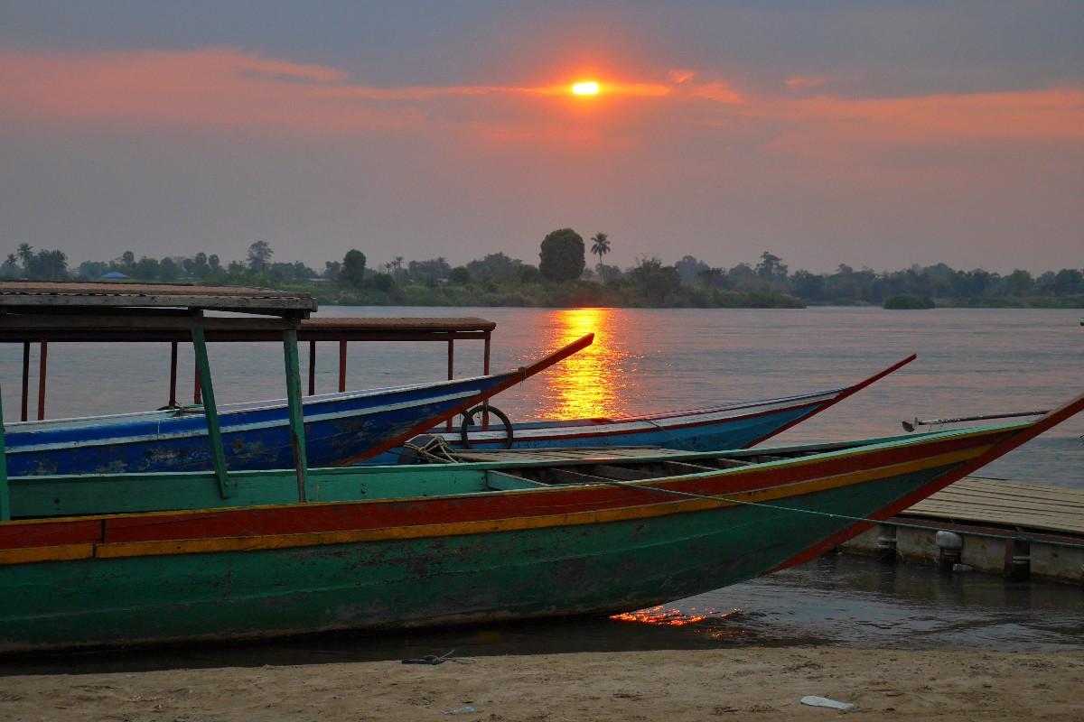 rzeka Mekong i Kraina 4000 Wysp w Laosie
