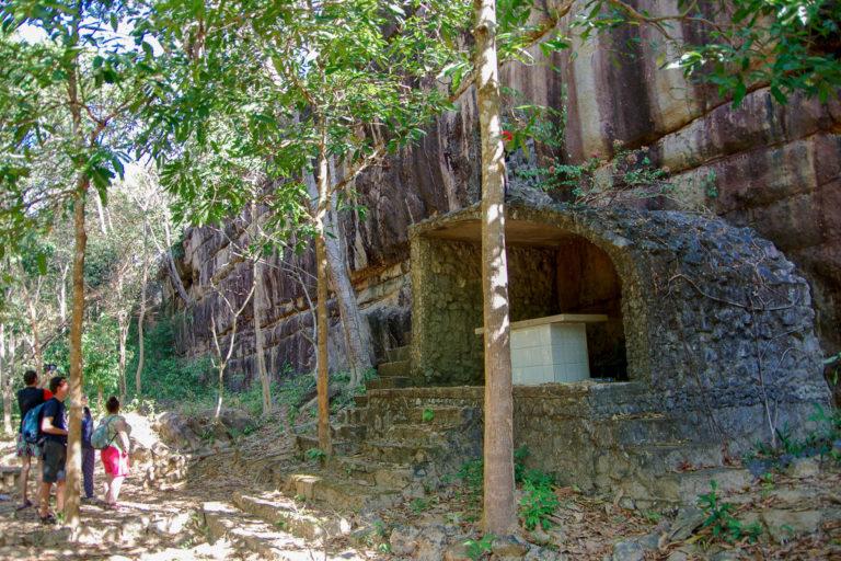 Kampaeng Yark Wielka Ściana niedaleko Thakhek