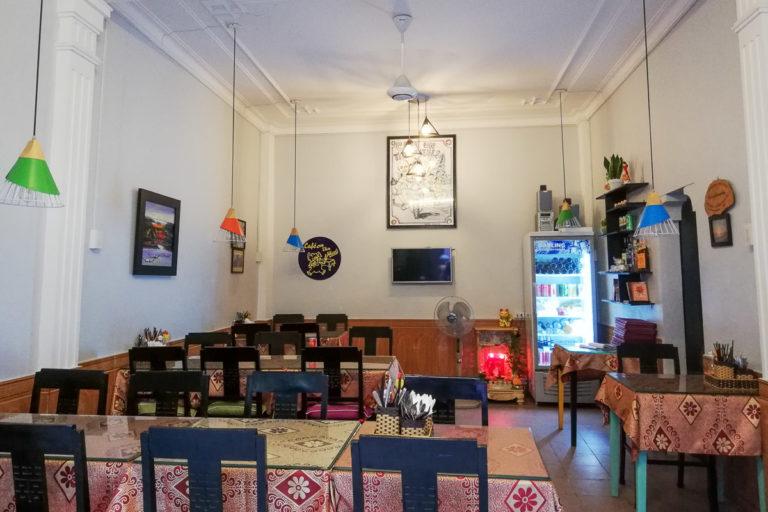 Cafe on Thu Wheels w Hue