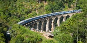 Sri Lanka, tory i pociąg w Ella, most