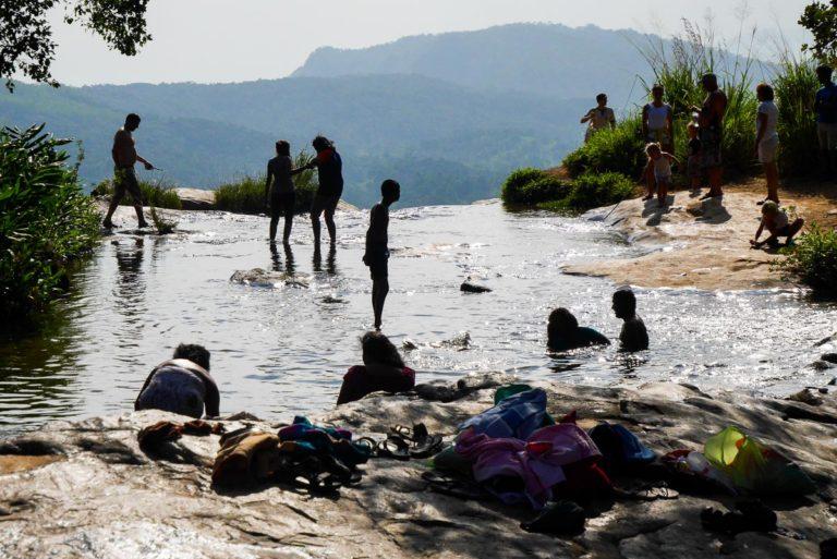 miejsce na kąpiel - Wodospad Diyaluma