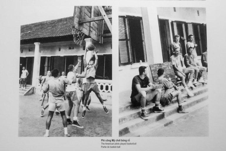 Amerykańscy żołnierze w więzieniu w Hanoi
