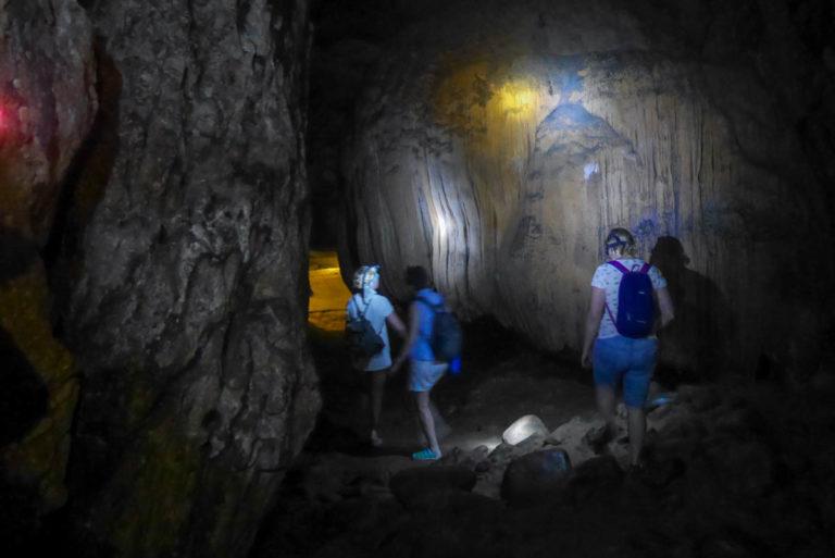 Jaskinia Hoi
