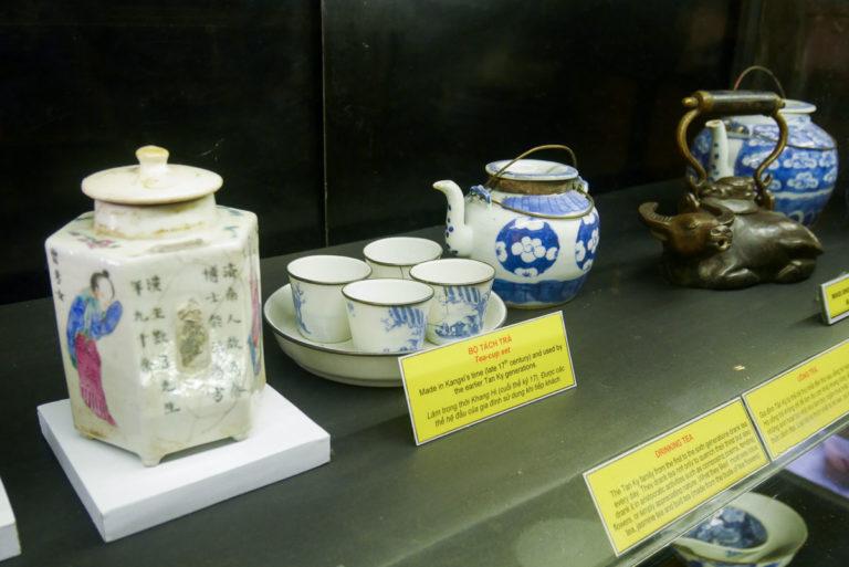 Zestaw do herbaty pochodzący z końca XVII wieku
