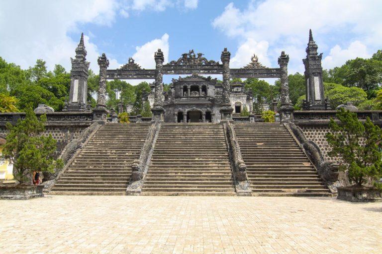 Wejście do grobowca Khai Dinha