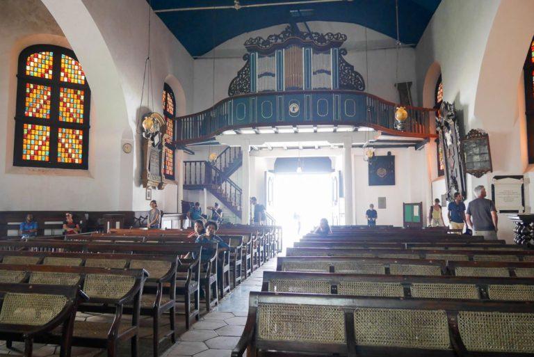 Organy kościelne nad wejściem