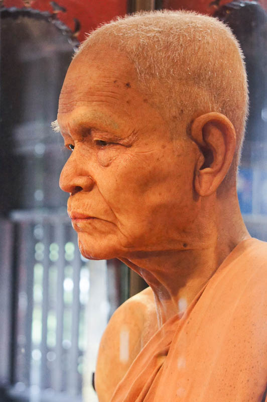 Ajahn Maha Bua w świątyni Wat Chedi Luang