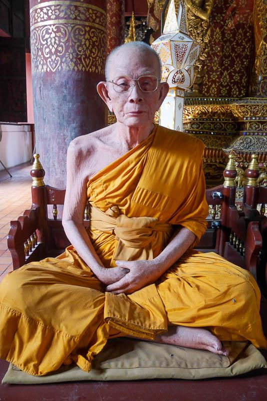Mnich buddyjski wykonany z wosku