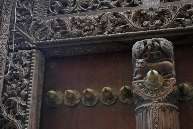 Bogato zdobione drzwi zanzibarskie