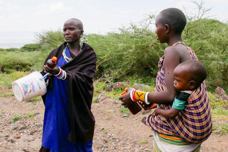 Masajowie prowadzą półkoczowniczy tryb życia i często zmieniają miejsce zamieszkania
