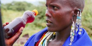 Masajka sprzedająca miód