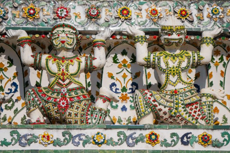 Rzeźby w Wat Arun