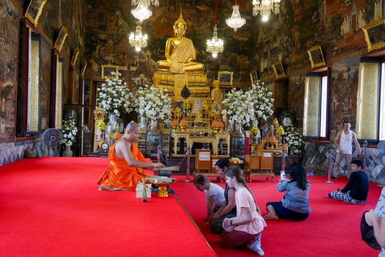 Budda Niramitra w Ubosot - Sali Święceń