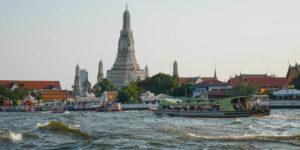 Wat Arun nad rzeką Chao Phraya