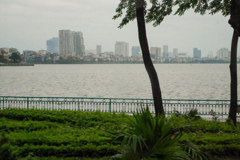 Jezioro Zachodnie w centrum Hanoi