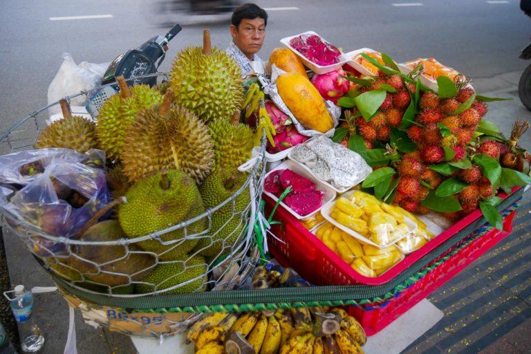 Sprzedawca duriana w Wietnamie