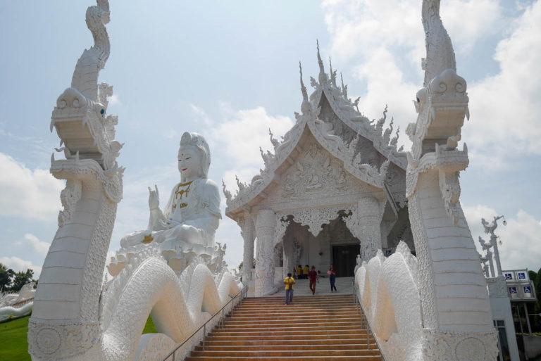 Biała sala zgromadzeń i bogini Guanyin