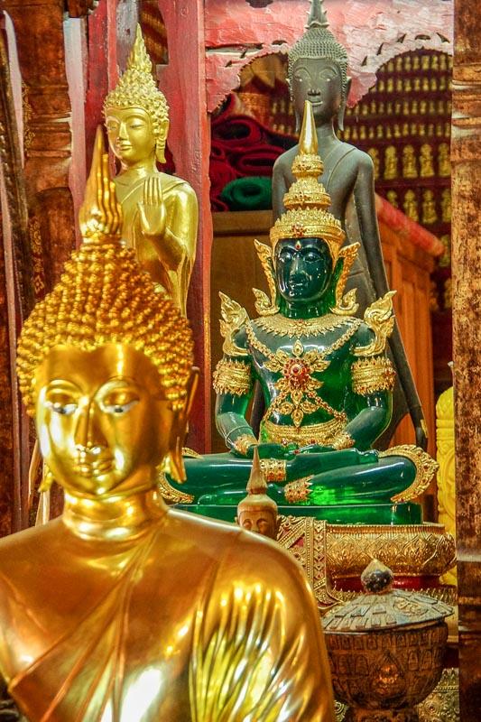 Kopia Szmaragdowego Buddy, którego oryginał został wywieziony do Bangkoku