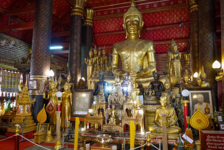 Główny posąg Buddy w sim