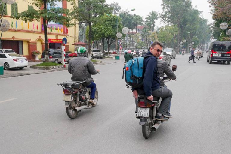 Skuterem po stolicy Wietnamu